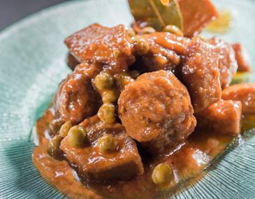 Mandonguilles amb sípia i pèsols